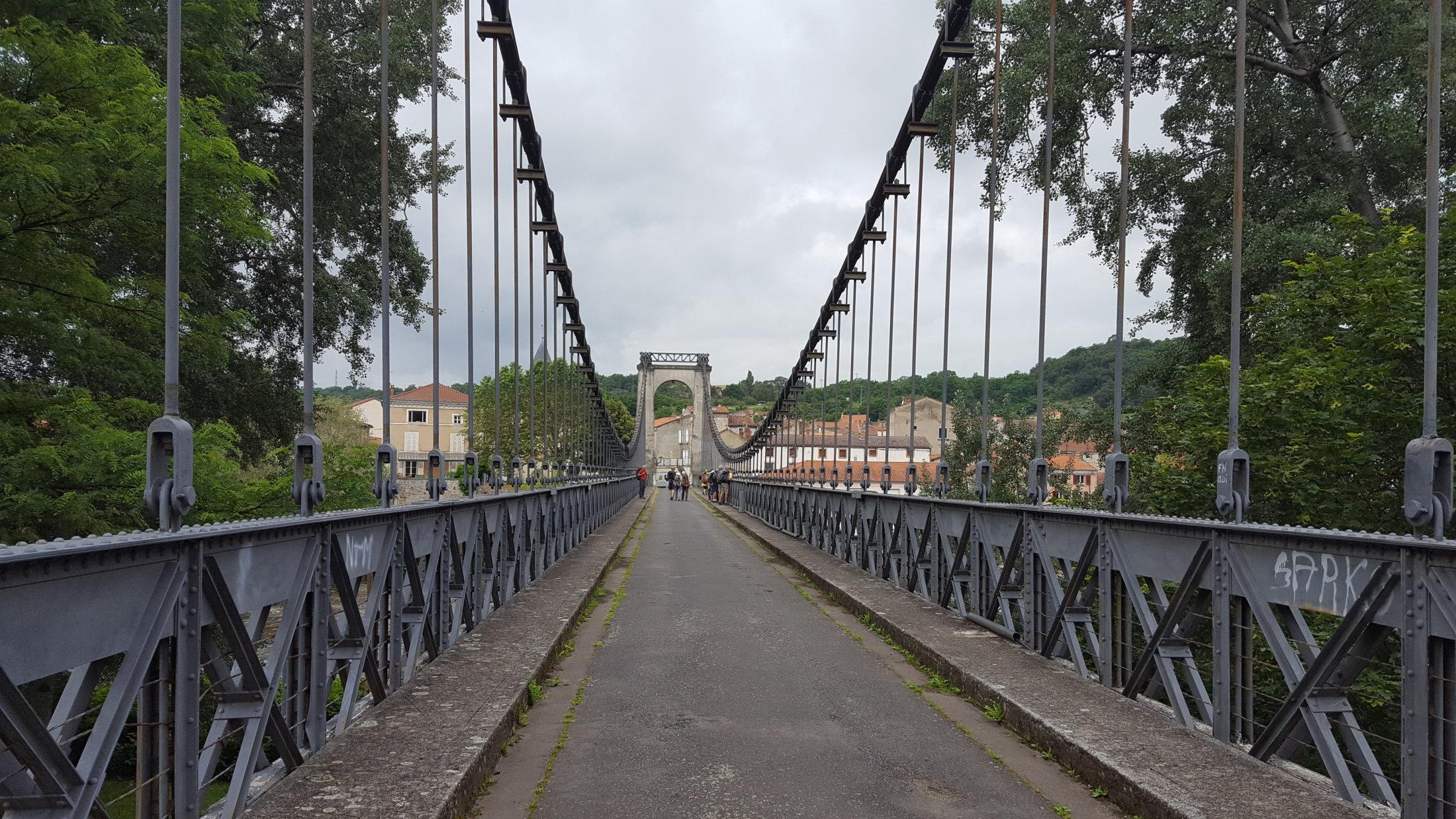 01 Pont Sur L\'allier