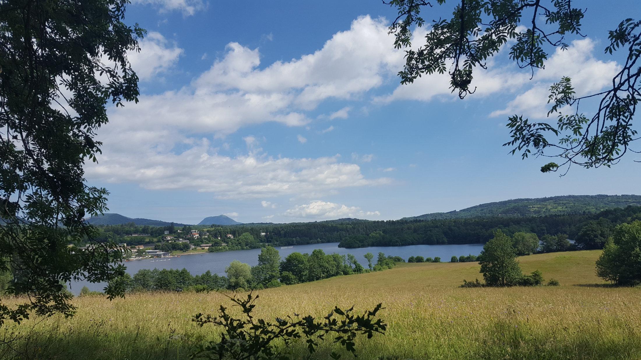 18 Lac D\'Aydat Et Puy De Dôme