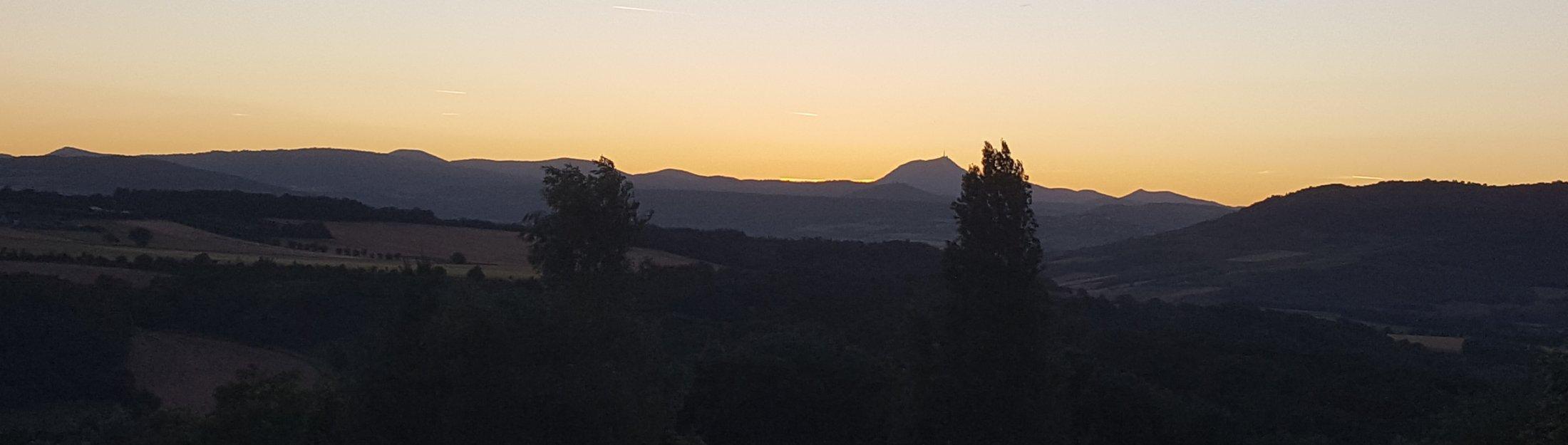 29 Coucher De Soleil Sur Le Puy De Dôme