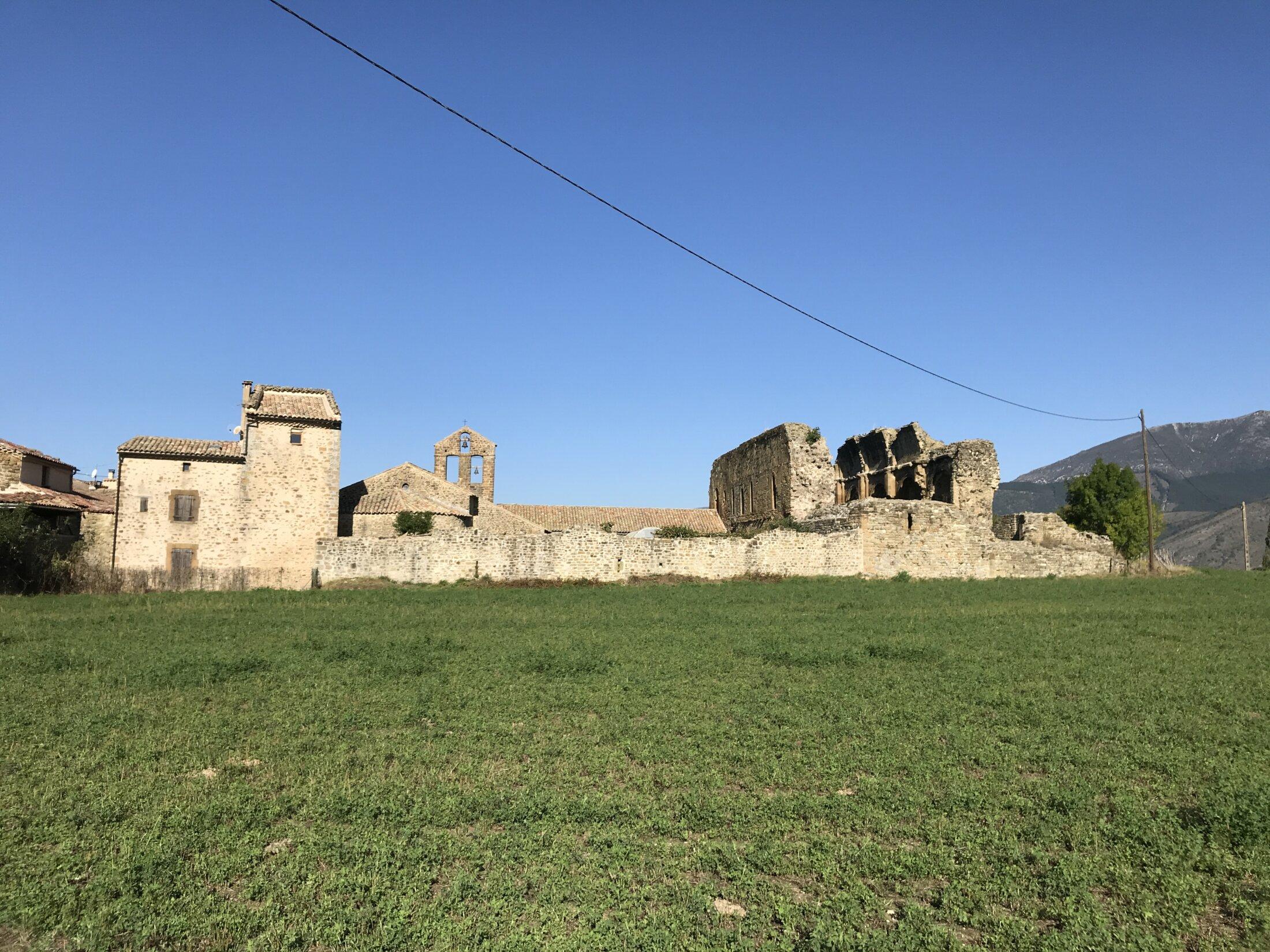 Abbaye en ruines de St-André-de-Rosans